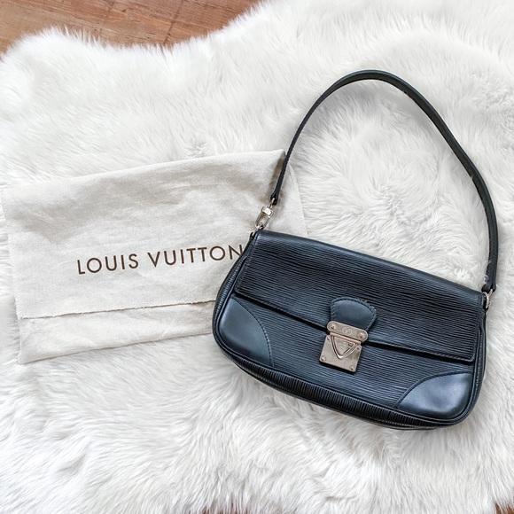 Epi Leather Lv shoulder bag